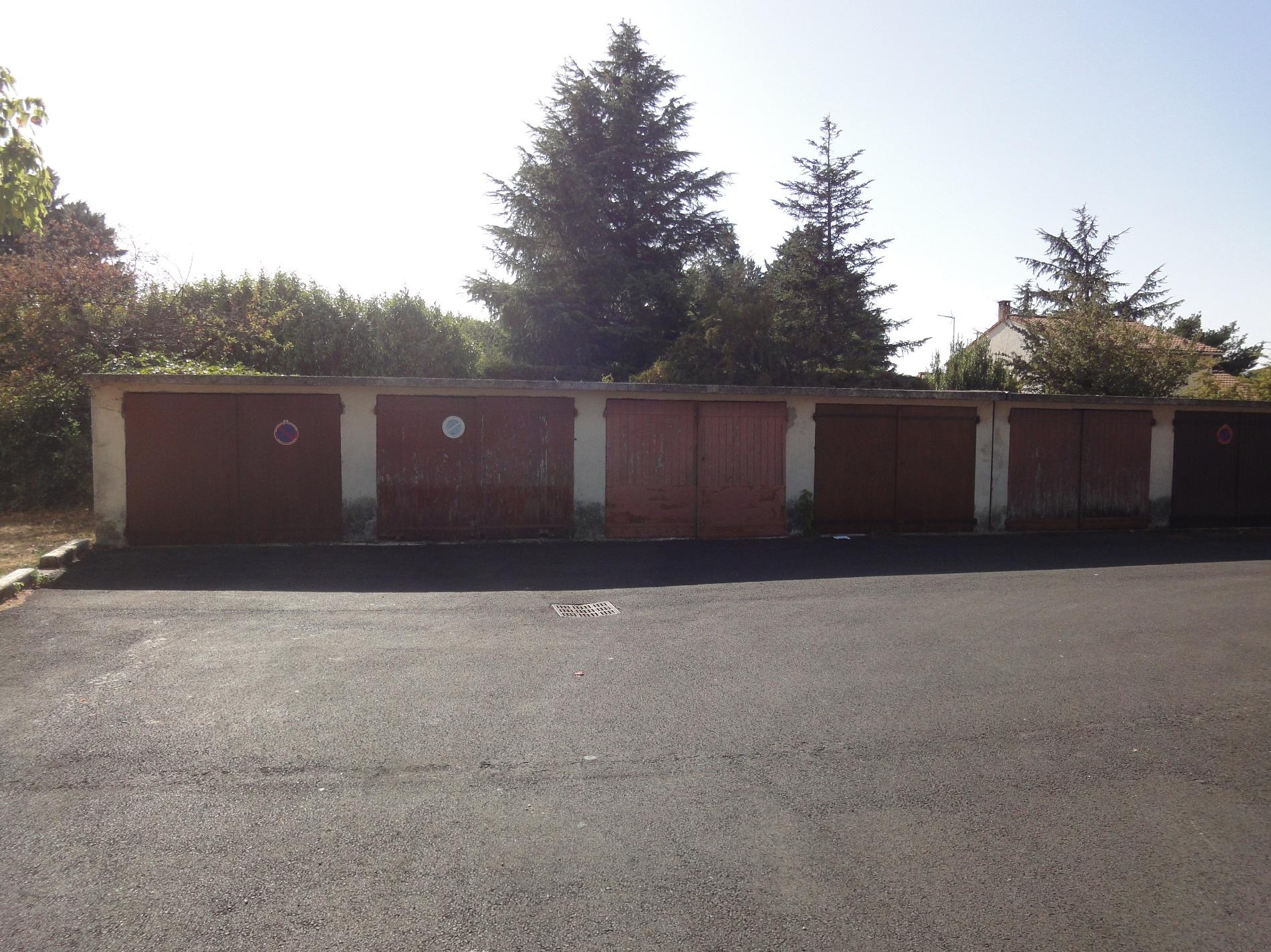 Location garage parking valr as 84600 sur le partenaire for Location garage assurance
